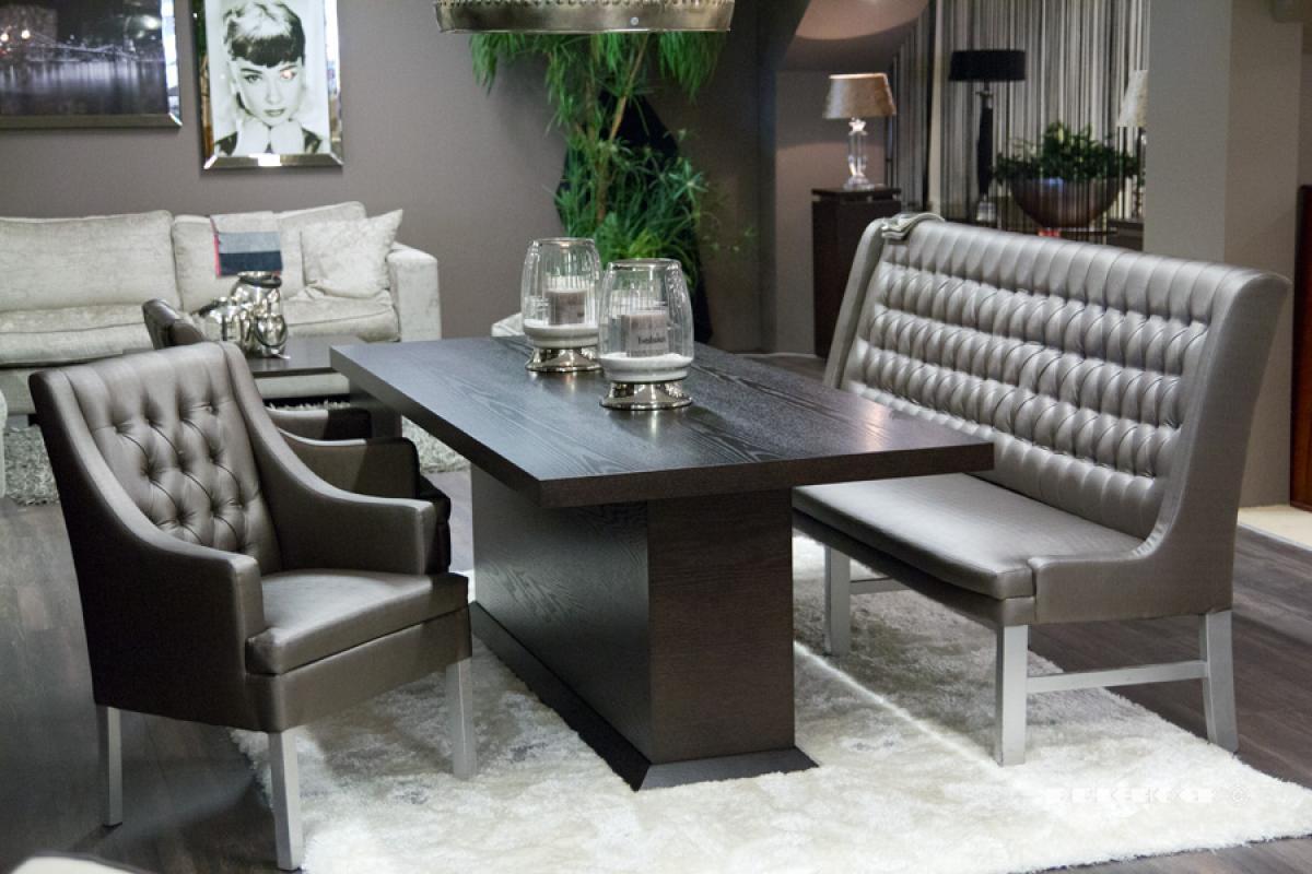 Woonkamer modern landelijk en romantisch driehoek meubelen for Stoel woonkamer