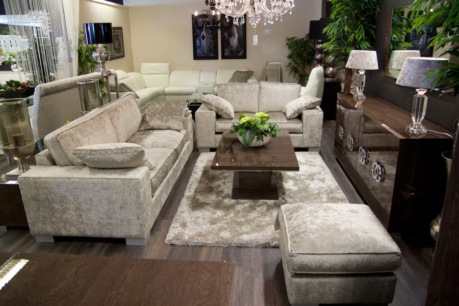 Driehoek Meubelen meubelzaak italiaanse hoogglans
